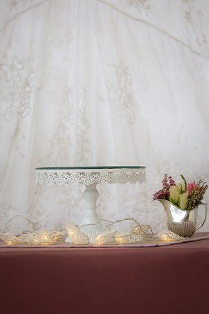 Cake Stand Ivory Mirrored Round